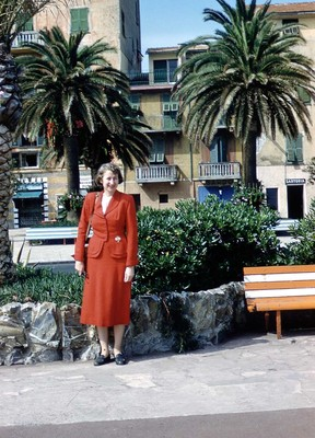 Evelyn Thurman on the Italian Riviera (SC 2834)